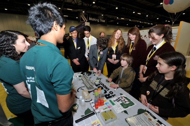 Deepesh and Raghd stimulating interest in STEM subjects through educational outreach